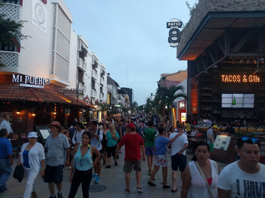Big crowds on Fifth Avenue in Playa Del Carmen