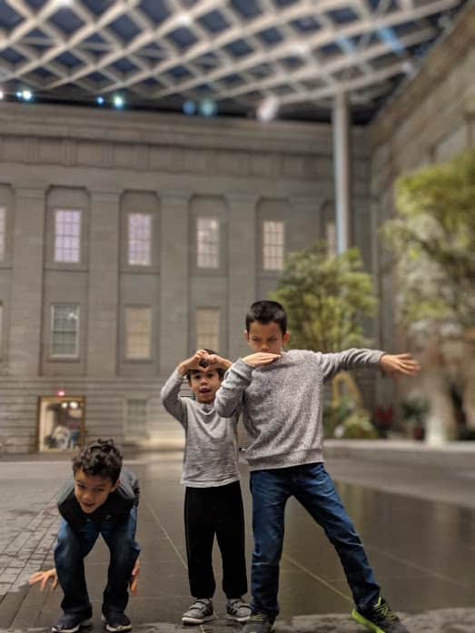 Kids playing in National Portrait Gallery courtyard