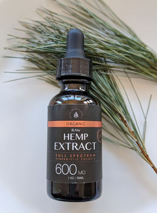 White Cedar Naturals bottle of 600mg Hemp Extract