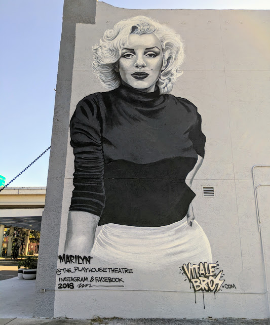A large Marilyn Monroe mural in St. Petersburg, Florida.